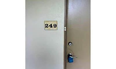 Bathroom, 249 Sheffield K, 1