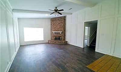 Living Room, 6639 Willow Ln, 1