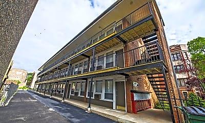 Building, 6832 S Crandon Ave, 1
