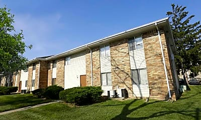 Building, Cloverleaf Apartments, 0