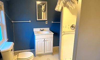 Bathroom, 19 Victory Ave, 2