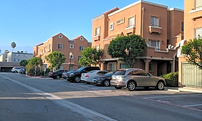 Broadway Village Apartments, 2