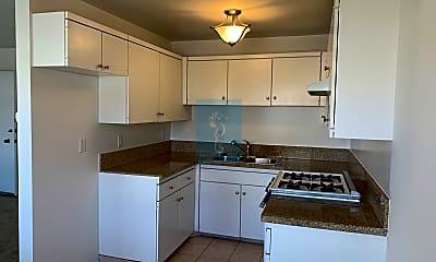 Kitchen, 25246 Bigelow Rd, 1
