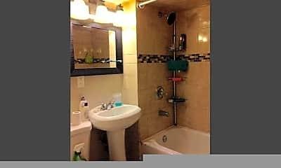 Bathroom, 1747 N Central Park Ave, 0