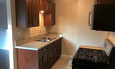 Kitchen, 3240 Chapman St, 1