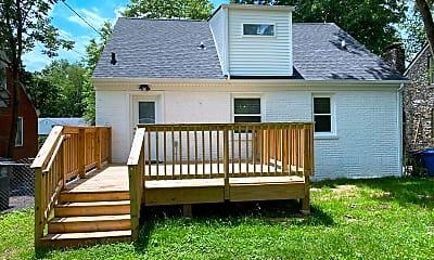 Building, 381 Bob-O-Link Dr, 2