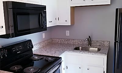Kitchen, 502 Pecan Dr, 1