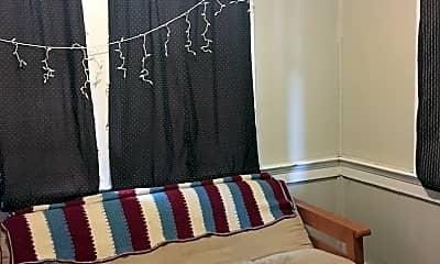 Bedroom, 811 E Henry St, 2