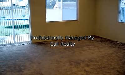 Living Room, 2511 E Desmet, 1