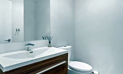 Bathroom, 112 Hudson St, 2