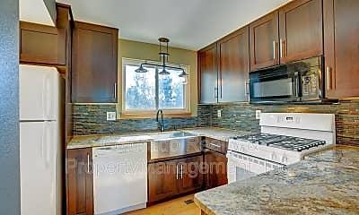 Kitchen, 554 W Sycamore Street, 1
