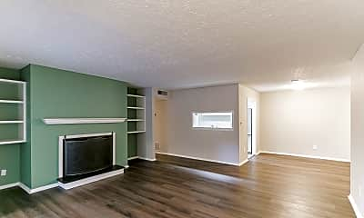 Living Room, 1001 Summit N Dr NE, 0