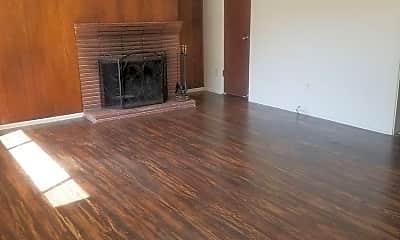 Living Room, 5310 Moddison Ave, 1