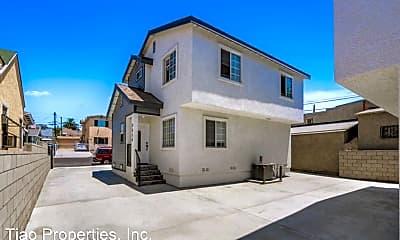 Building, 2836 Boulder St, 1