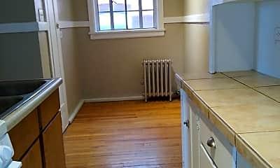 Kitchen, 1620 Detroit St, 2