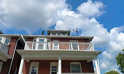 Building, 528 Park Ave, 1