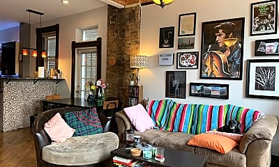Living Room, 2028 W Coulter St, 1