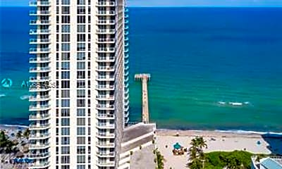 16699 Collins Ave 4004, 2