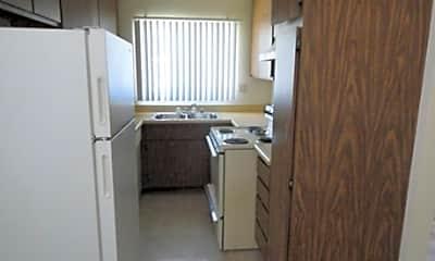 Crestwood Apartments, 2
