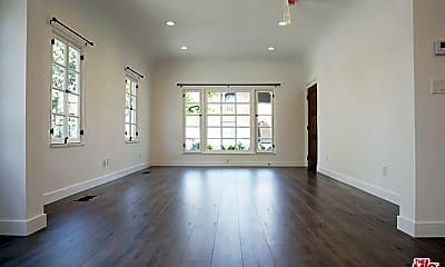 Living Room, 427 N Stanley Ave, 1