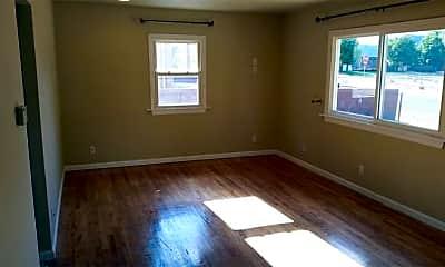 Bedroom, 503 E Cheyenne Rd, 1