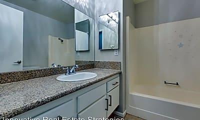 Bathroom, 702 Greenway Rd, 2