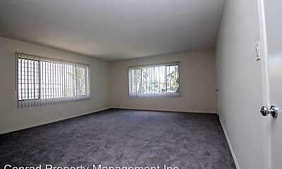 4345 Ventura Canyon Ave, 1