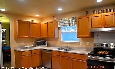 Kitchen, 707 Leopard Hollow, 1