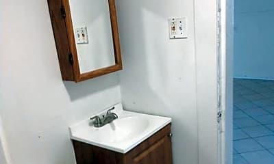 Bathroom, 31 Howard St, 1