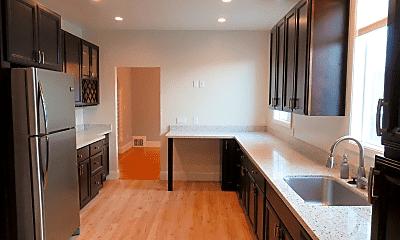 Kitchen, 2825 Cabrillo St, 1