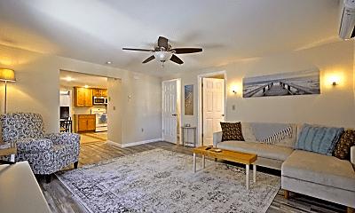 Living Room, 123 S Railroad St, 0
