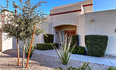 2626 E Arizona Biltmore Cir 32, 1