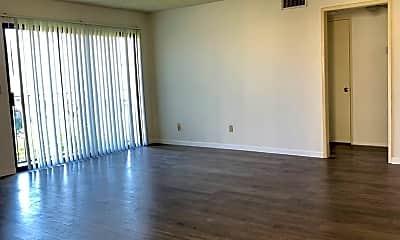 Living Room, 1101 Melrose Ave, 0