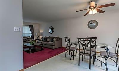 Living Room, 1108 Valentine St, 1