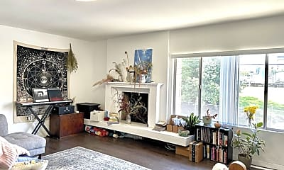 Living Room, 1301 S Saltair Ave 3, 0