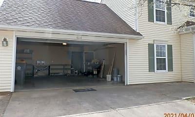 Building, 420 E Laurelwood Ct, 2