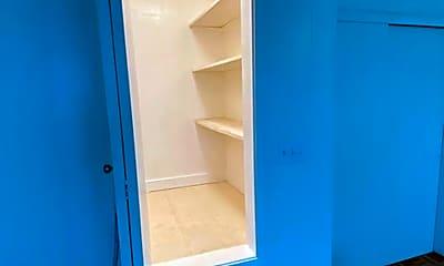 Bathroom, 1036 Kama Ln, 2
