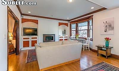 Living Room, 2259 Union St, 1