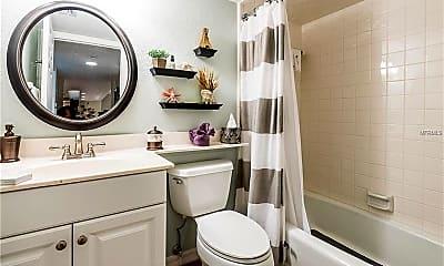 Bathroom, 601 Shreve St 31B, 2