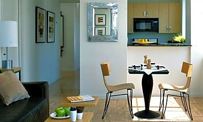 Dining Room, 425 W 37th St, 0