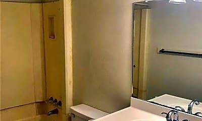 Bathroom, 808 Natalie St, 2