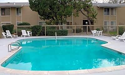 Woodland Oaks Apartments, 2