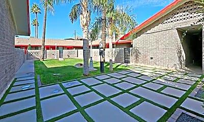 Patio / Deck, 320 W Pasadena Ave, 2