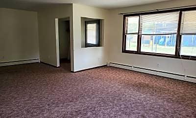 Living Room, 703 Farnsworth St, 1