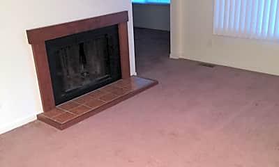 Living Room, 1001 Laura Dr, 1