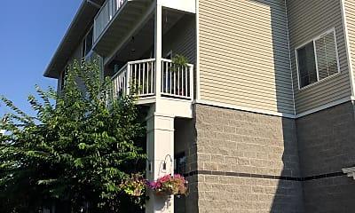Courtyard Village Raleigh Hills, 2