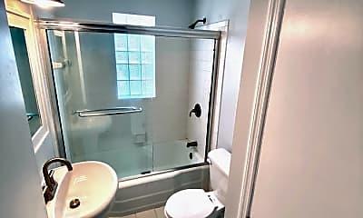 Bathroom, 29 Concord Avenue, 2