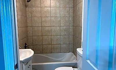 Bathroom, 1646 W Cermak Rd 1, 2