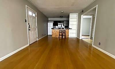 Living Room, 1304 Summit St, 1