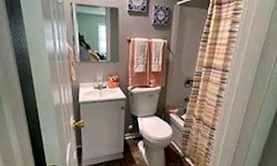 Bathroom, 2519 Clarkson Ave, 2